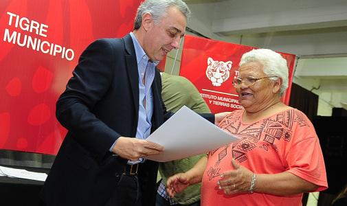 Más de 80 familias de Tigre recibieron su título de propiedad