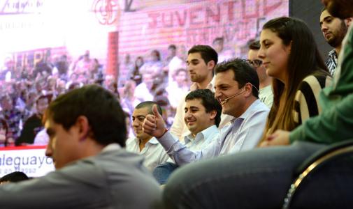 """Massa: """"La revolución de nuestros jóvenes es la revolución de la educación, no la bolivariana"""""""