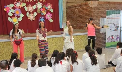 Con una obra de teatro enseñan a comer sano en San Isidro