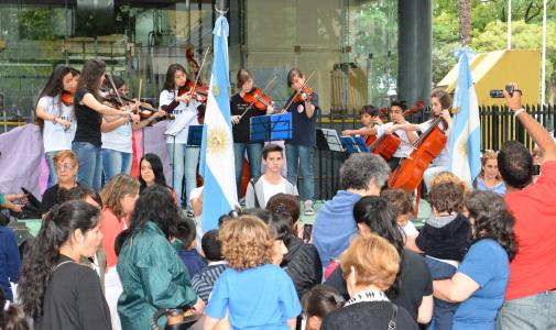 Las escuelas de San Martín expusieron sus trabajos anuales en la Plaza Central