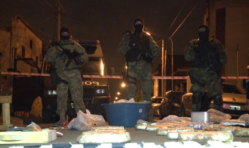 Secuestran casi 100 kilos de droga y desbaratan dos bandas narcos